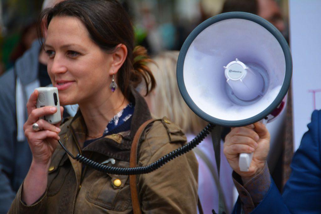 Loud & Clear! - Voice Coach | Voice Training | Presentation Training | Motivational Speaking